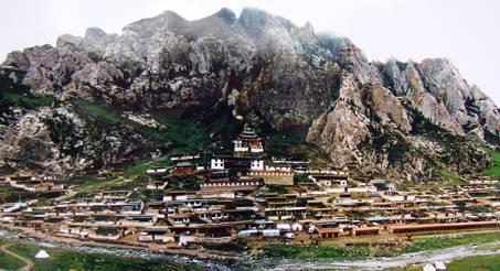 热贡国家级历史文化名城旅游区